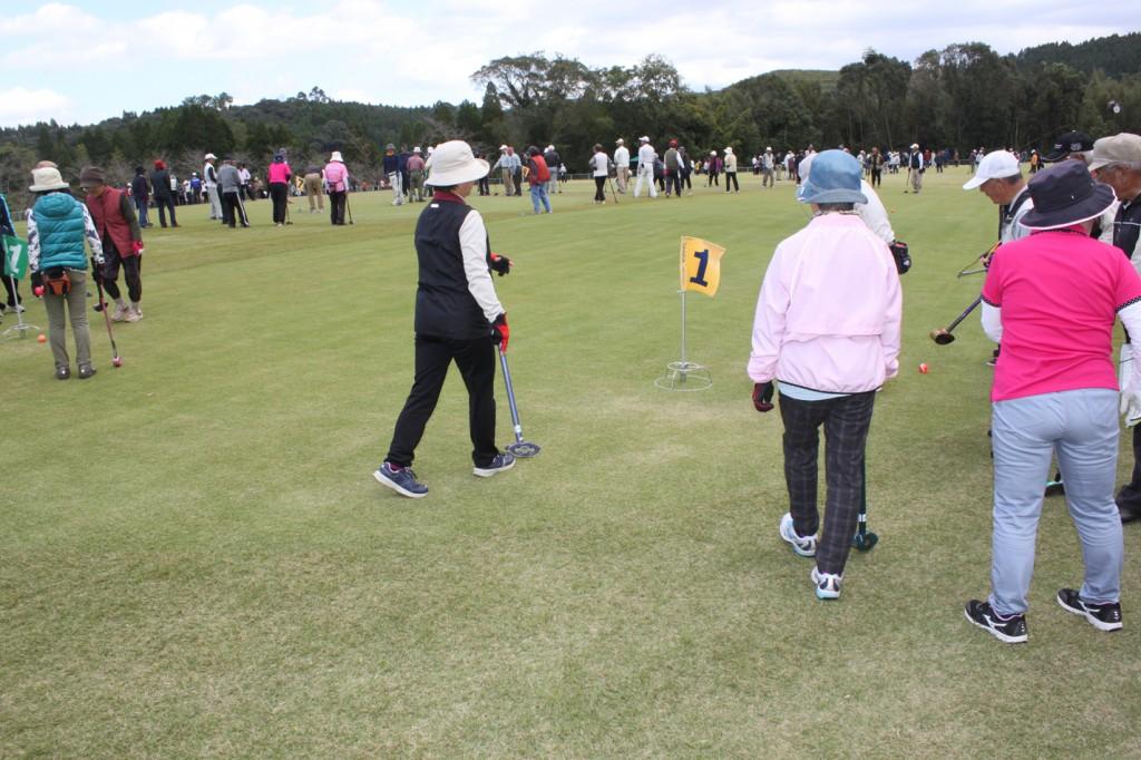 H30-10-28-博善社互助会員グラウンドゴルフ大会-プレー中02