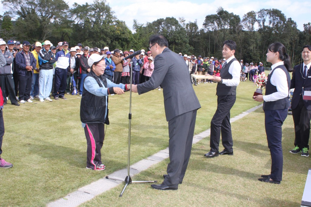 H30-10-28-博善社互助会員グラウンドゴルフ大会-女子-優勝