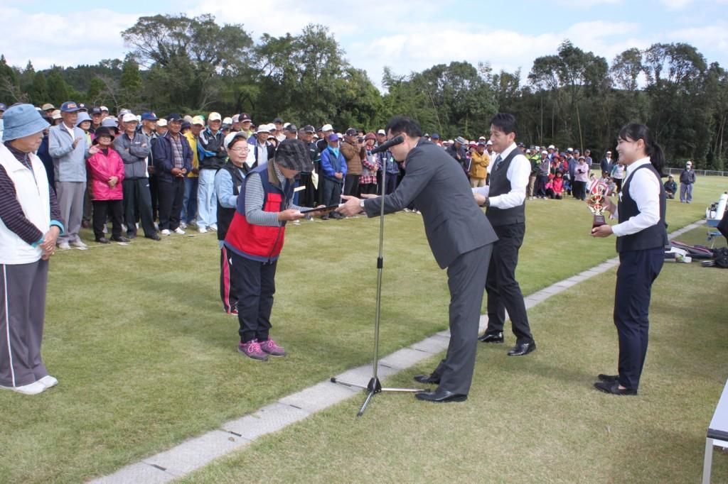 H30-10-28-博善社互助会員グラウンドゴルフ大会-女子-準優勝
